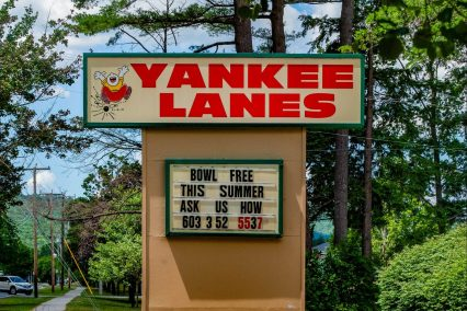 Yankee Lanes sign